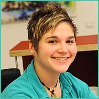 Laura Farnhammer, Medizinische Fachangestellte